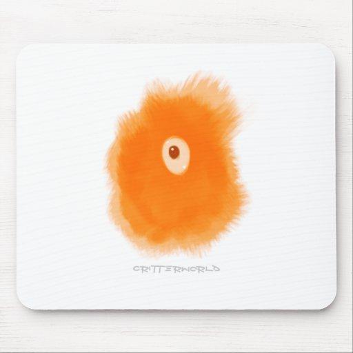 Critter anaranjado del globo del ojo tapete de raton