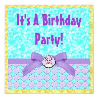 """Critter en cumpleaños de las nubes invitación 5.25"""" x 5.25"""""""