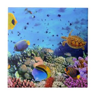 Critters coloridos del arrecife de coral azulejo cuadrado pequeño