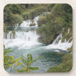 Croacia, Dalmacia, Krka cae parque nacional Posavasos De Bebidas