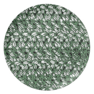 Crocheted-Look Party Plate