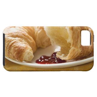 Croissant con el atasco en una placa iPhone 5 fundas