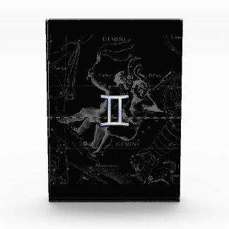 Crome como muestra del zodiaco de los géminis en