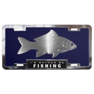 Crome (los falsos) pescados de la carpa con el placa de matrícula