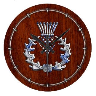 Cromo de plata en el cardo escocés de madera de reloj redondo grande