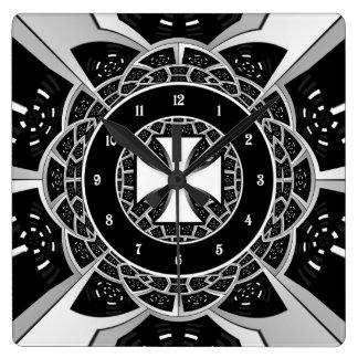 Cross pattée square wall clock