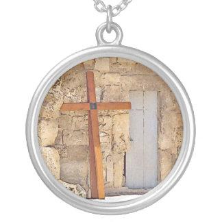 Cross Round Pendant Necklace