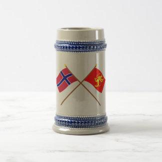 Crossed flags of Norway and Troms 18 Oz Beer Stein