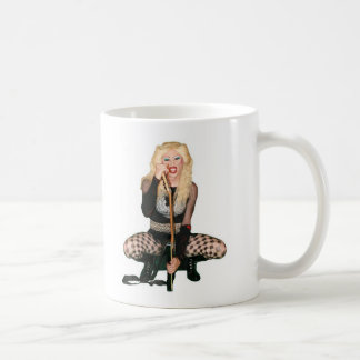 Crouching Hedwig mug