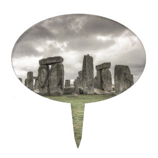 Crow in front of Stonehenge, England Cake Topper