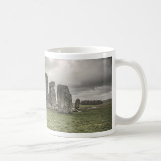 Crow in front of Stonehenge, England Mugs