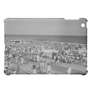 Crowd on Beach Case For The iPad Mini