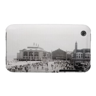 Crowds iPhone 3 Cover