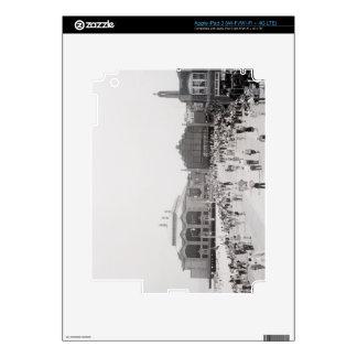 Crowds Skin For iPad 3