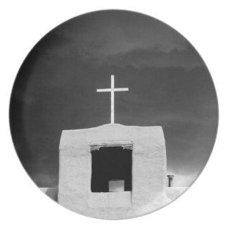 Cruce en la iglesia más vieja San Miguel Santa F Platos