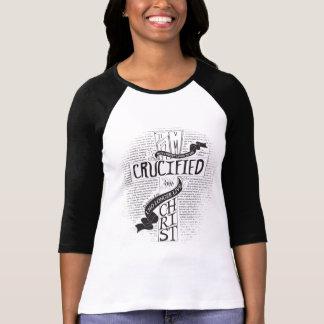 Crucificado con Cristo - negro Polera