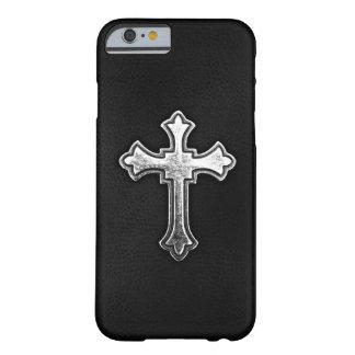 Crucifijo metálico en el cuero negro funda de iPhone 6 barely there