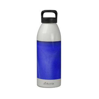 Crucifixión azul pintura religiosa del simbolismo botellas de beber