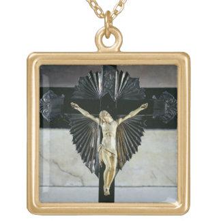 Crucifixión, siglo XVII (marfil) Joyería
