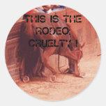 Crueldad del rodeo pegatina redonda