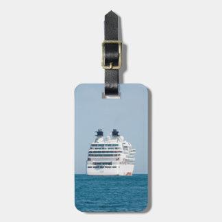 Cruise liner bag tag