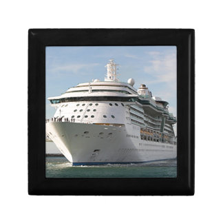 Cruise ship 4 jewelry boxes