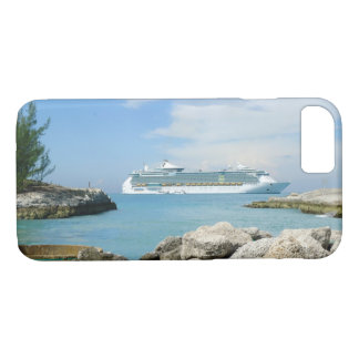 Cruise Ship at CocoCay iPhone 8/7 Case