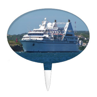 Cruise Ship Leaving Mahon Cake Pick