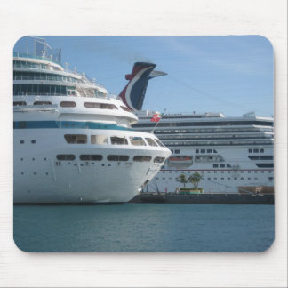 Cruise ships mouse pad