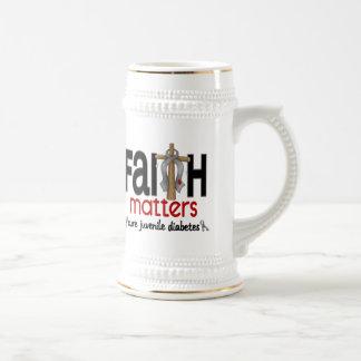 Cruz 1 de las materias de la fe de la diabetes juv jarra de cerveza
