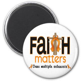 Cruz 1 de las materias de la fe de la esclerosis m imán redondo 5 cm