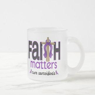 Cruz 1 de las materias de la fe de la sarcoidosis taza de café