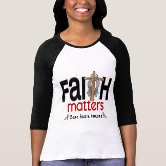 Cruz 1 de las materias de la fe del tumor cerebral camisetas