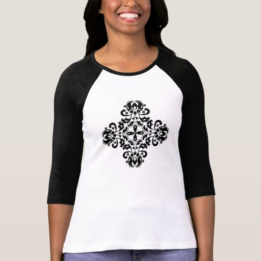 Cruz adornada hermosa del damasco en negro t-shirt