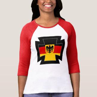 Cruz alemana del hierro para la princesa alemana camisetas