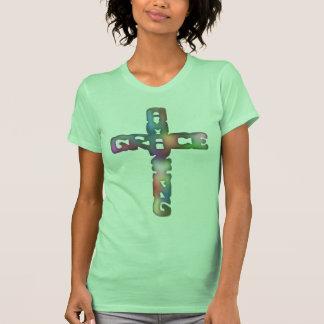 Cruz asombrosa de la tolerancia camisetas