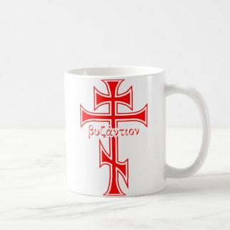 Cruz bizantina y Eagle Tazas De Café