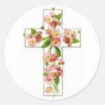 Cruz blanca con floral rosado pegatina redonda