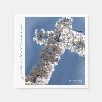 Cruz blanca en la 1ra comunión del cielo azul servilleta desechable