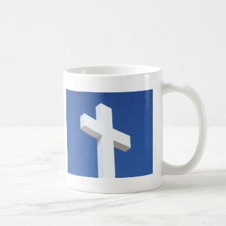 Cruz blanca taza