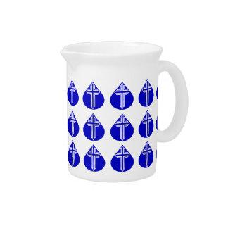 Cruz blanca tejada en lágrima azul jarras