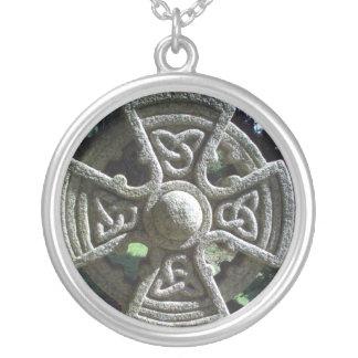 Cruz céltica collar personalizado