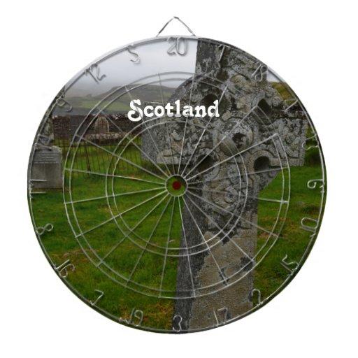Cruz céltica en Escocia Tablero De Dardos