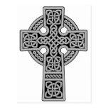 Cruz céltica gris clara y negra postal