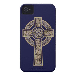 Cruz céltica por las ilustraciones de Bannigan iPhone 4 Carcasa