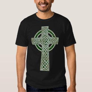 Cruz céltica verde remeras