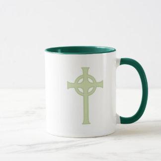 Cruz céltica verde taza