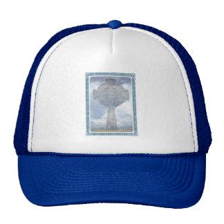 Cruz céltica y nubes azules gorras de camionero