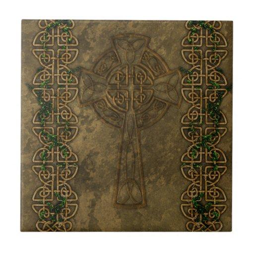 Cruz céltica y nudos célticos azulejo
