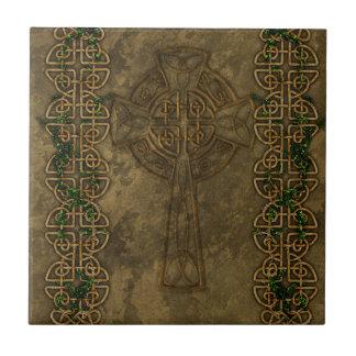 Cruz céltica y nudos célticos azulejo cuadrado pequeño